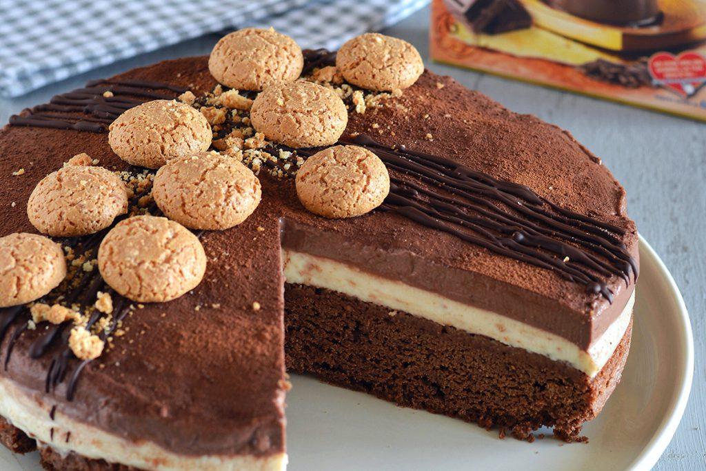 """Torta """"Panna Cotta"""" cioccolato e amaretti"""