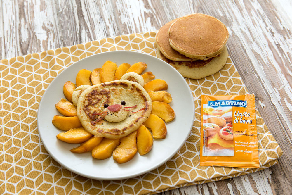Pancake Multicereali con Pesche e Sciroppo D'Acero