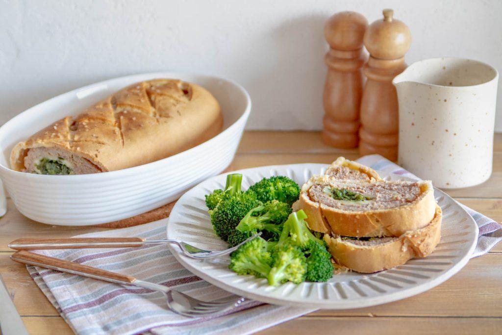 Polpettone ripieno in crosta di pane
