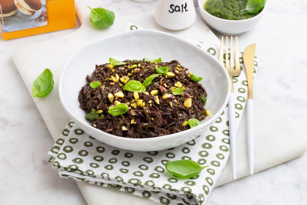 Tagliolini al Cacao con Pesto di Pistacchi